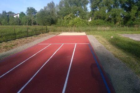 bieżnia sportowa przy szkole Sióstr Pijarek (Kraków - Olszanica) - zdj02